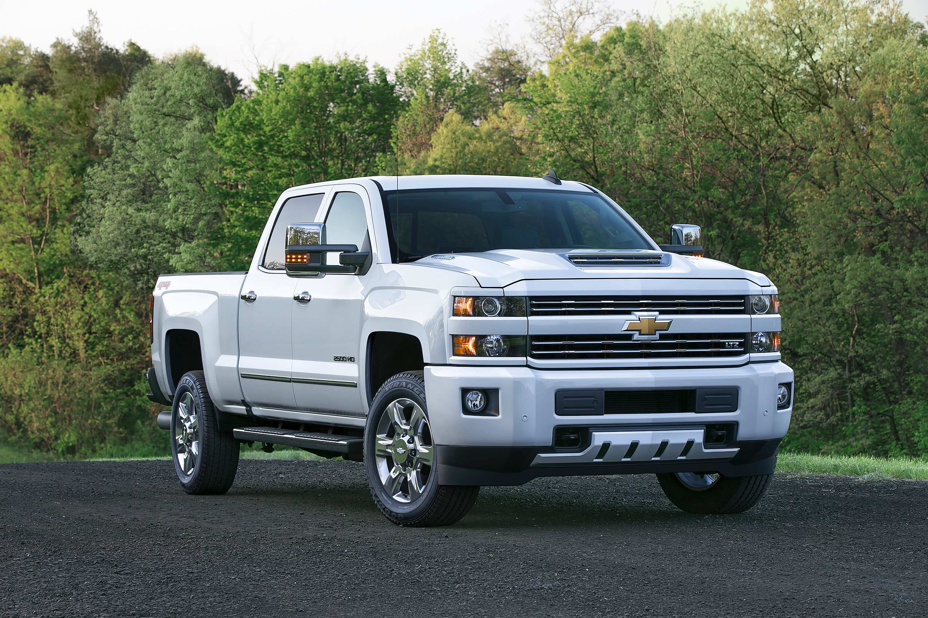 The 2017 Chevrolet Silverado Hd Features An All New Patented Air Intake System