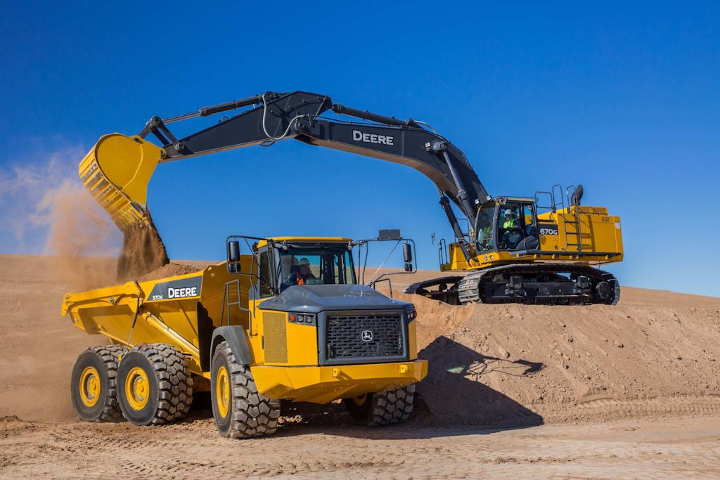 John Deere 670 LC excavator