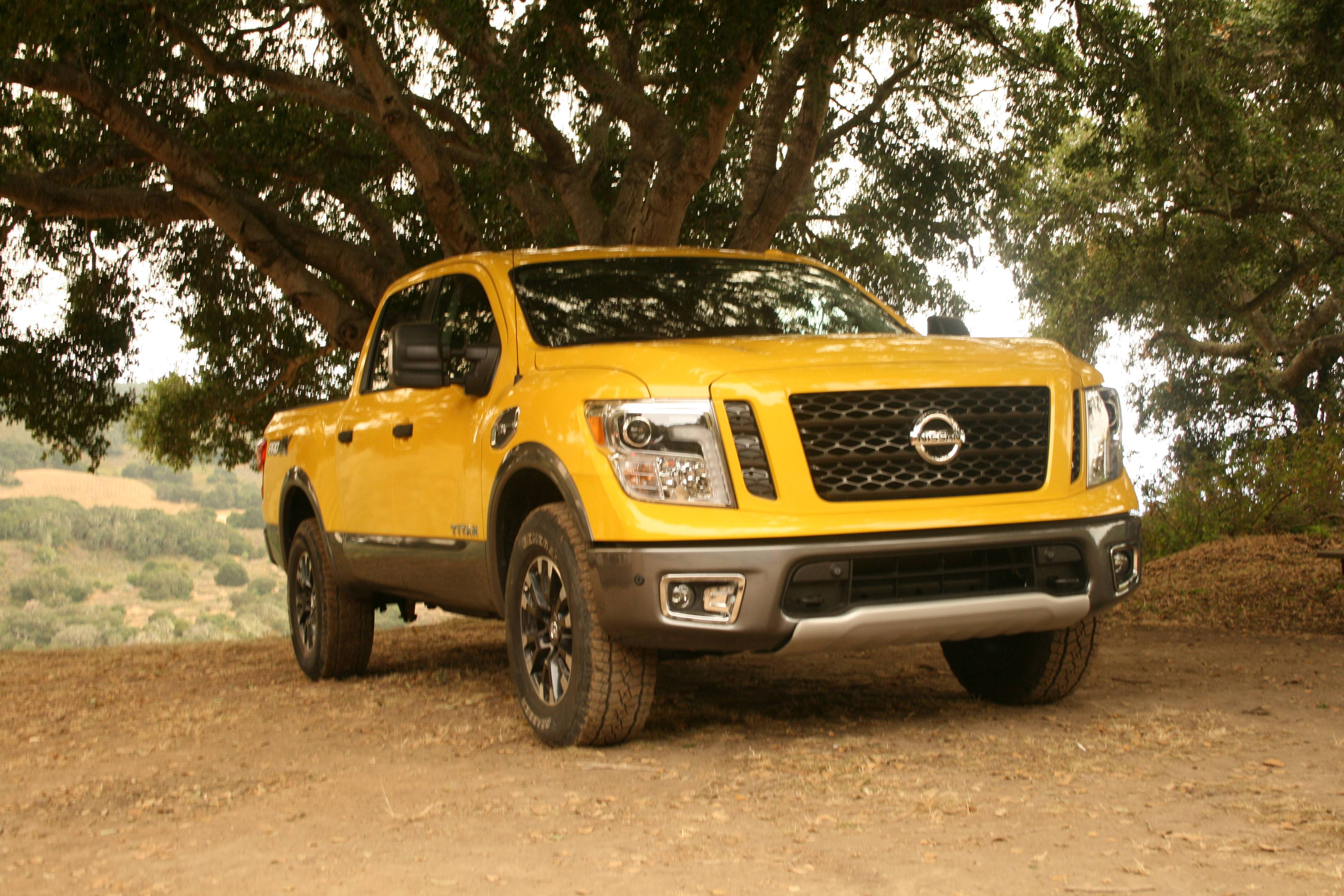 test drive off roading in nissan 39 s sonar equipped 2017 titan pro 4x crew cab equipment world. Black Bedroom Furniture Sets. Home Design Ideas
