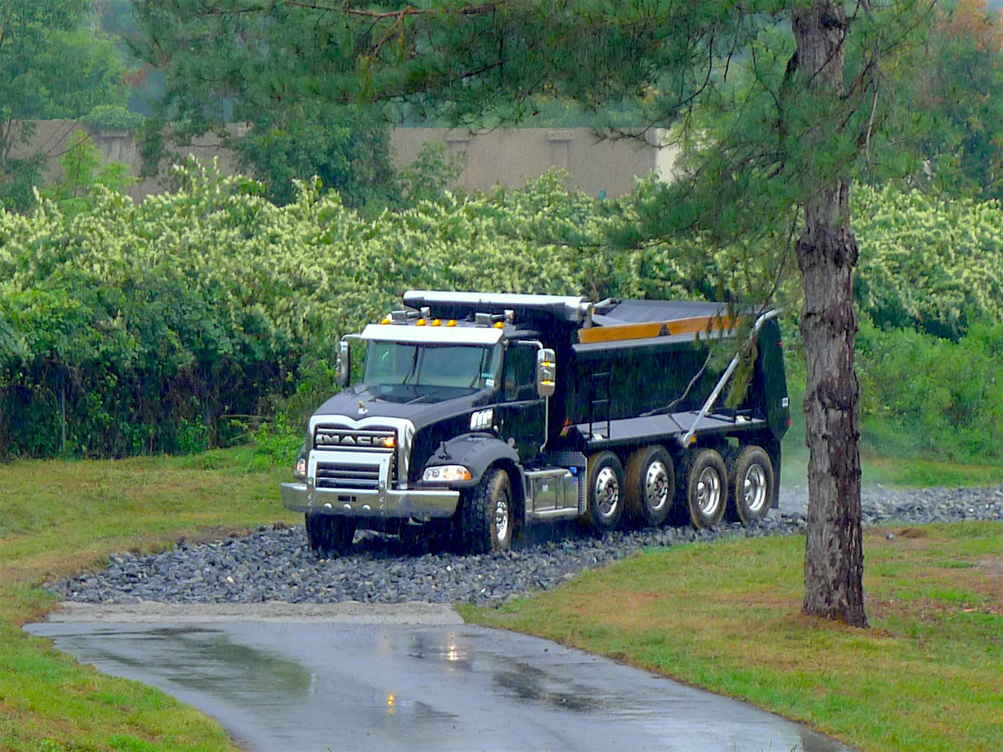 Test Drive: Backing a Mack Granite with 70k-lb  load uphill