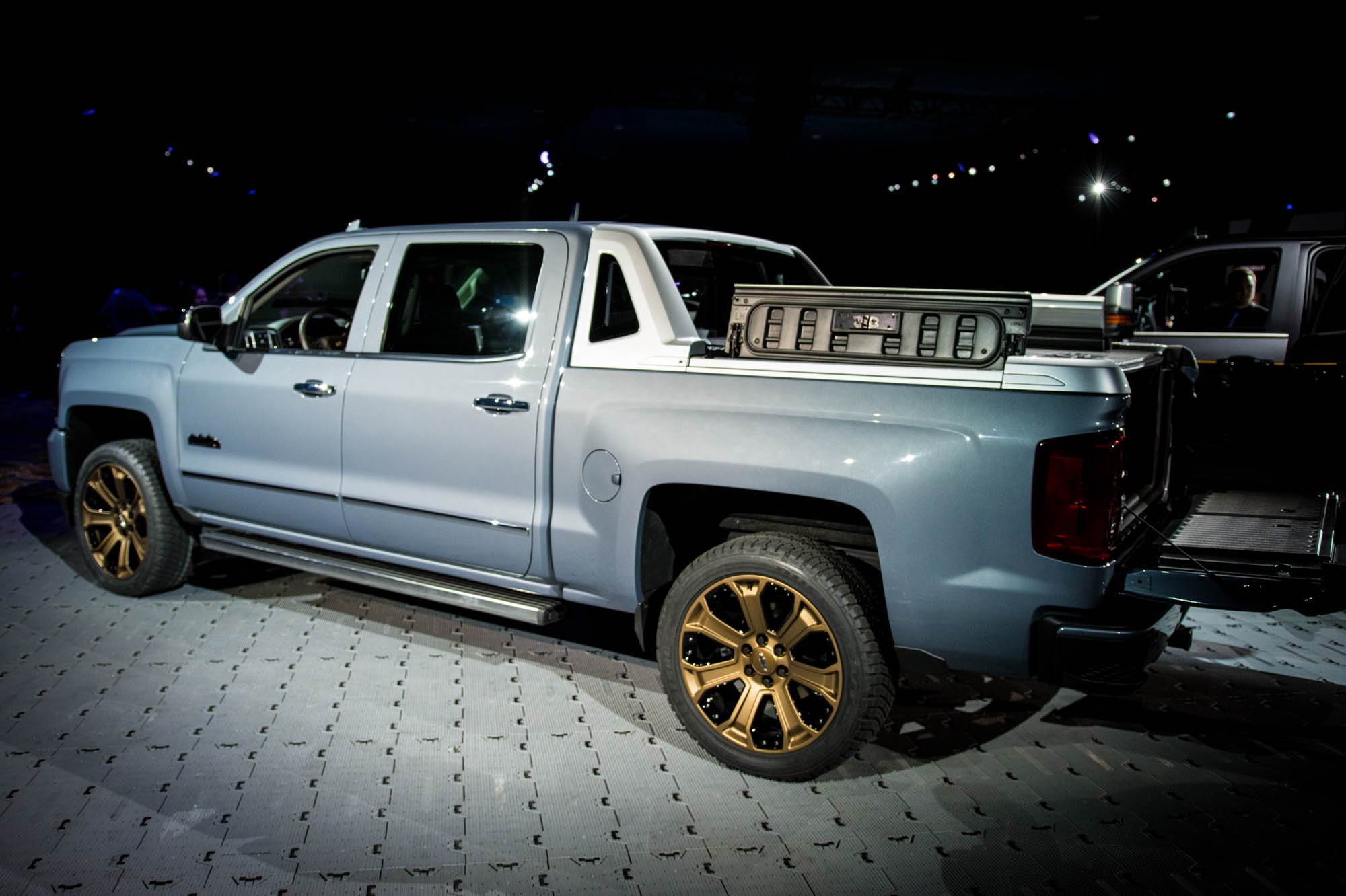 Chevy beefs up storage-focused Silverado High Desert for SEMA with performance extras, striking ...