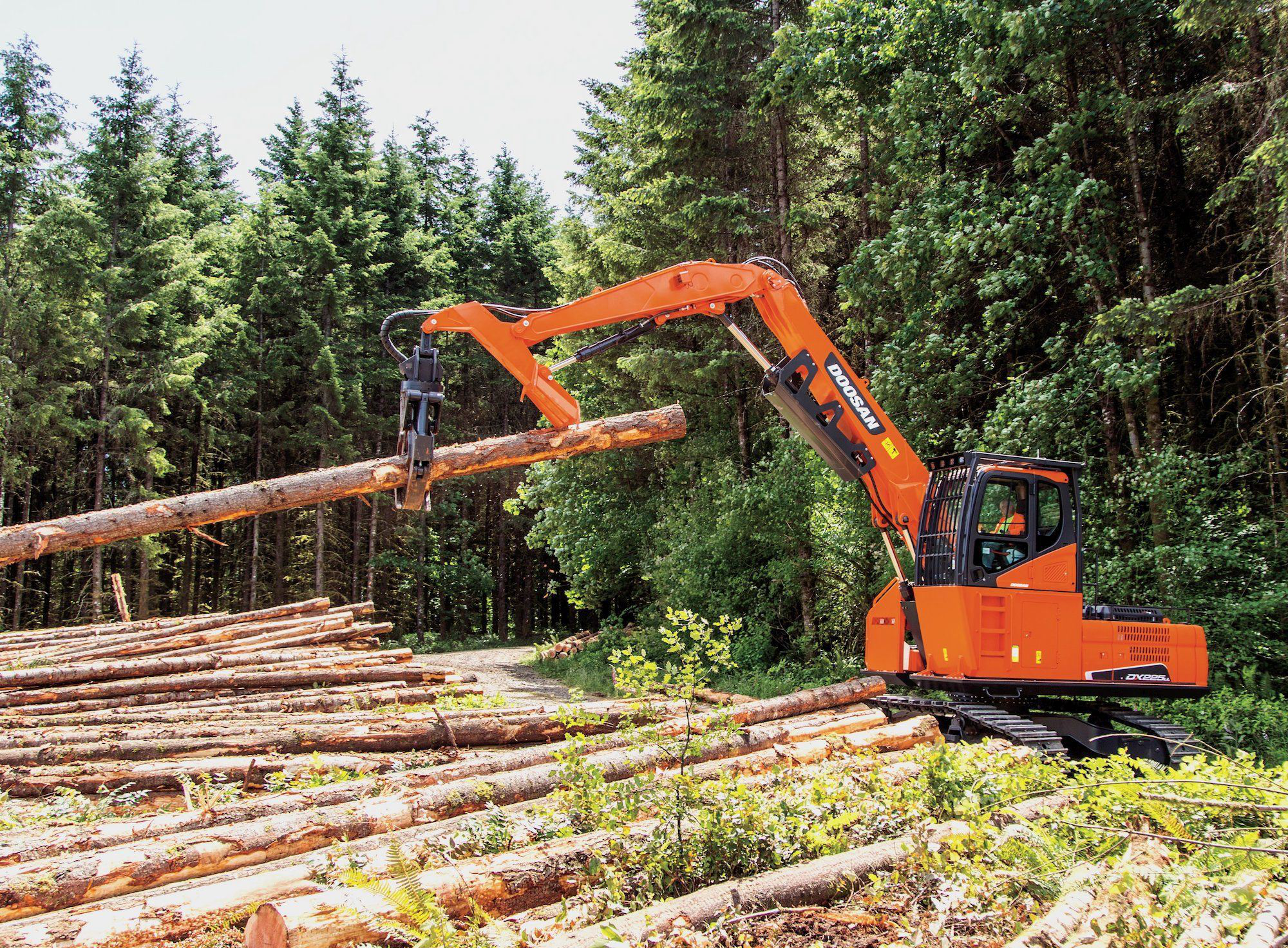 Doosan Launches Dx225ll 5 Log Loader With Cab Engine