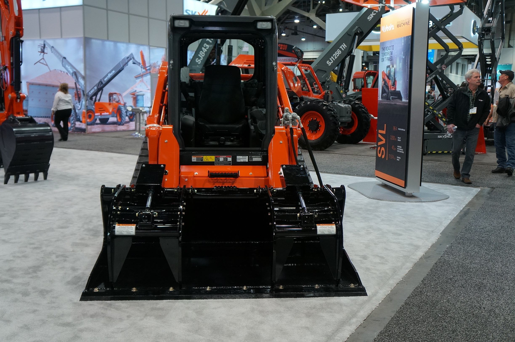 Kubota's SVL75-2 CTL with High Flow increases hydraulic flow