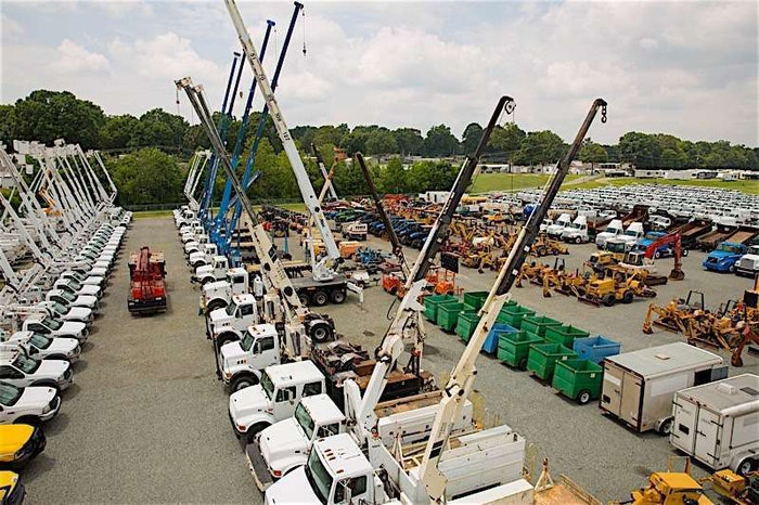 Used-Cranes-and-Boom-Trucks-For-Sale