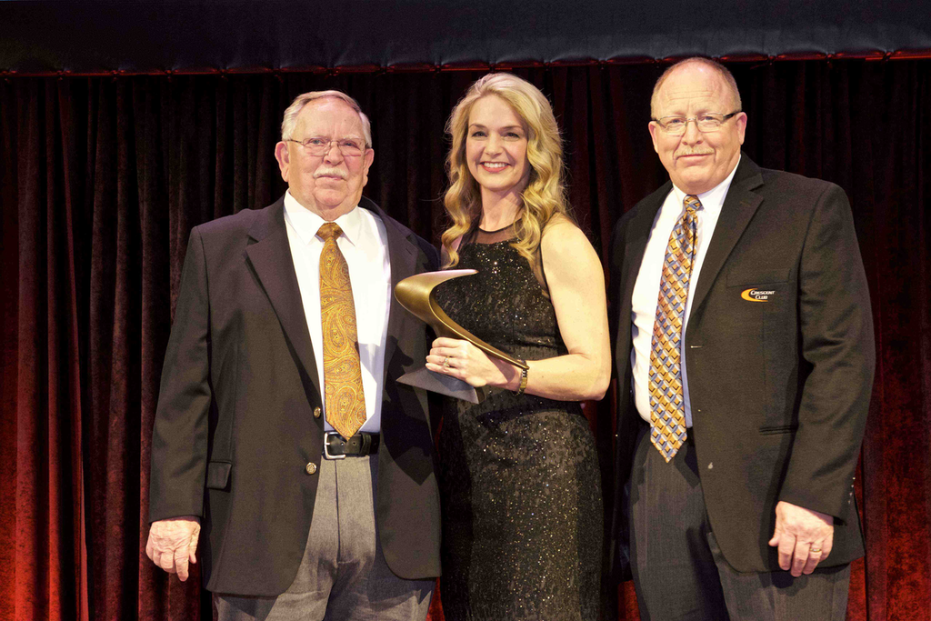 Ditch Witch honors top 10 dealerships with Crescent Club Award