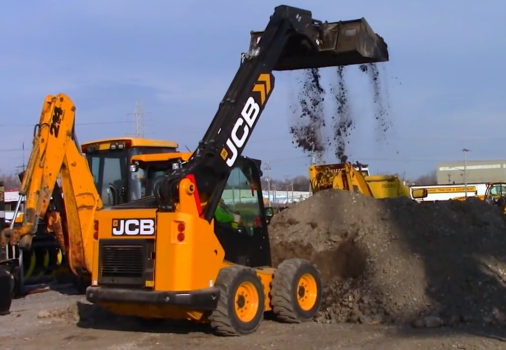 This is Teleskid: Check out JCB's new half skid steer, half