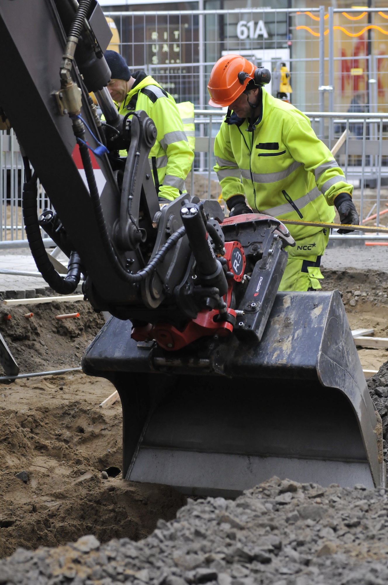 Rototilt launches the R3, a smart compact tiltrotator with improved