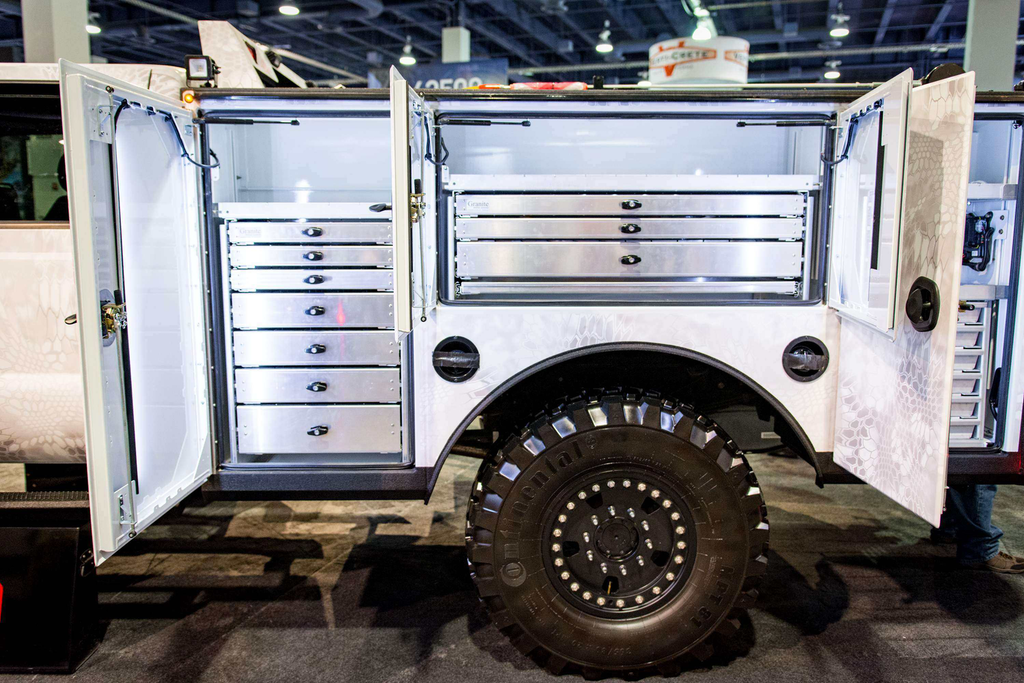 Summit Truck Bodies >> Yeti F-550 Super Duty a go-anywhere service truck with a cold custom look
