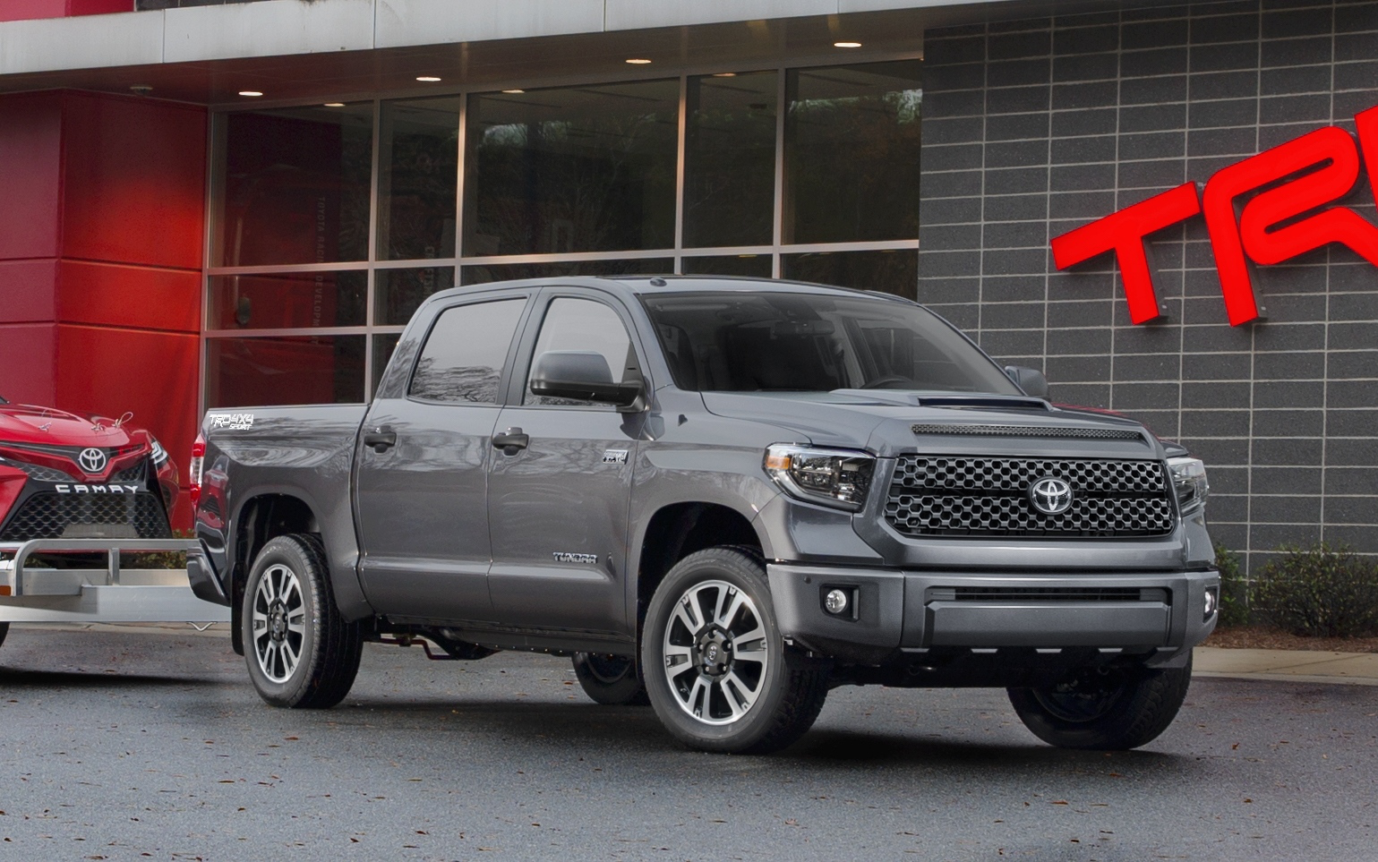 toyota unveils 2018 tundra trd pro sport signaling refresh for entire lineup. Black Bedroom Furniture Sets. Home Design Ideas