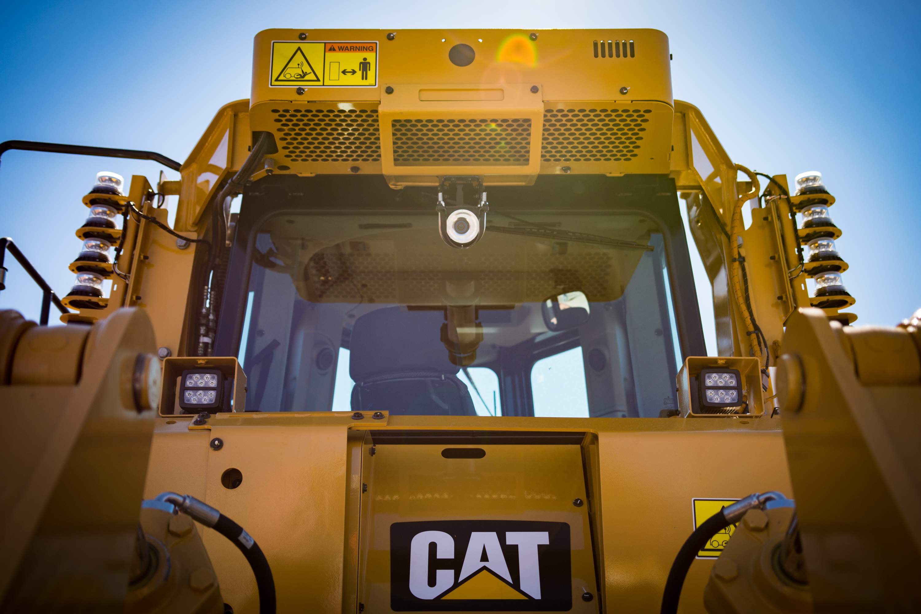 Cat D8T moves more at less cost with several new options
