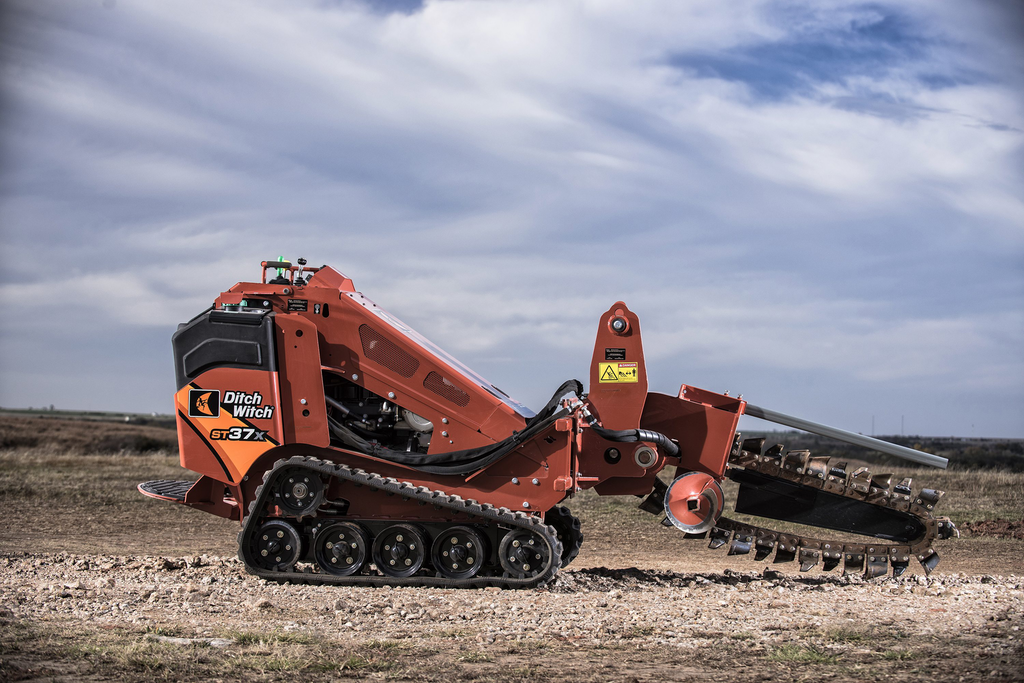Ditch Witch intros the ST37X, its first stand-on trencher