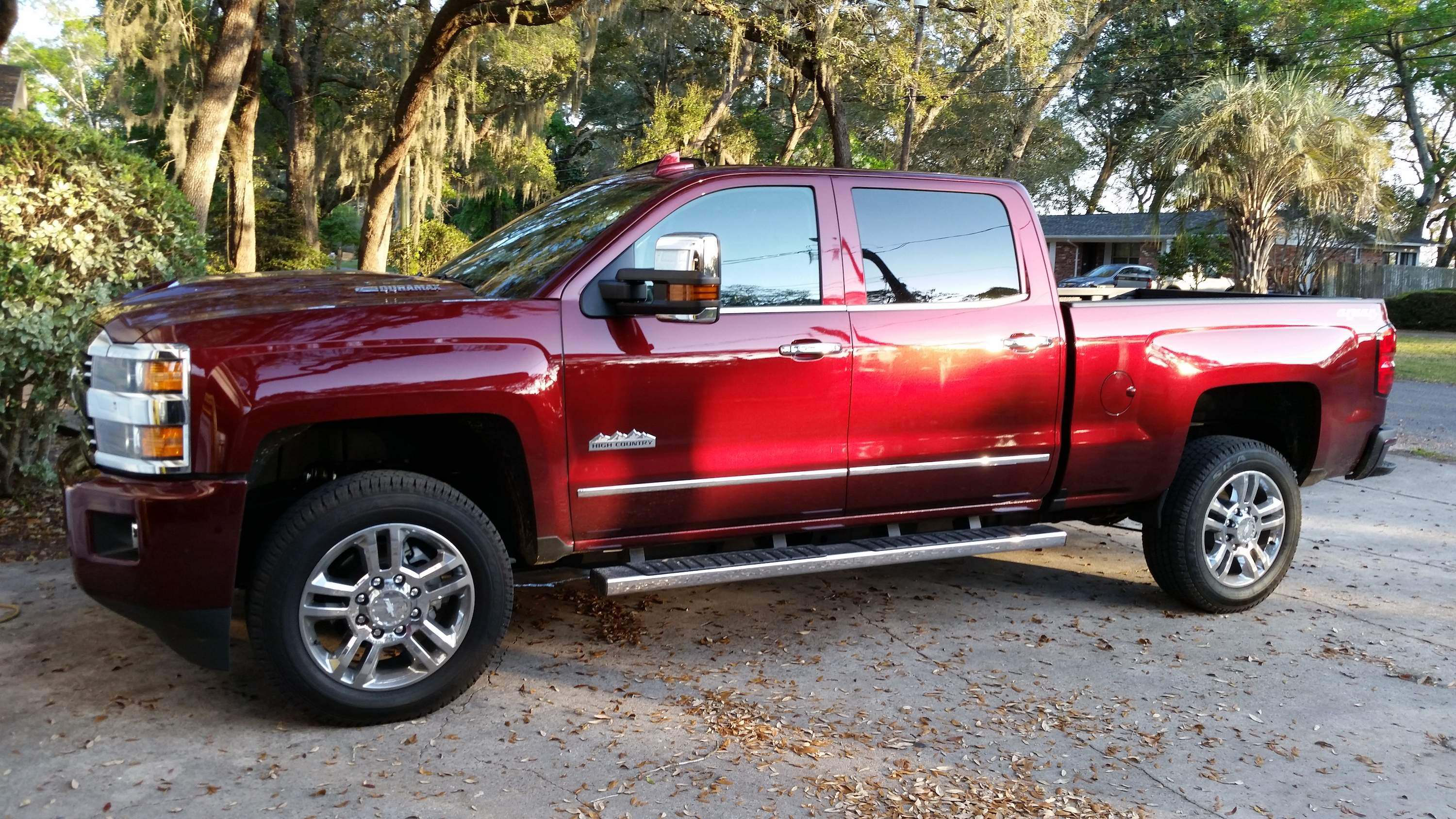 test drive 2017 chevrolet silverado 2500 4 4 39 s new duramax engine brings big punch equipment. Black Bedroom Furniture Sets. Home Design Ideas