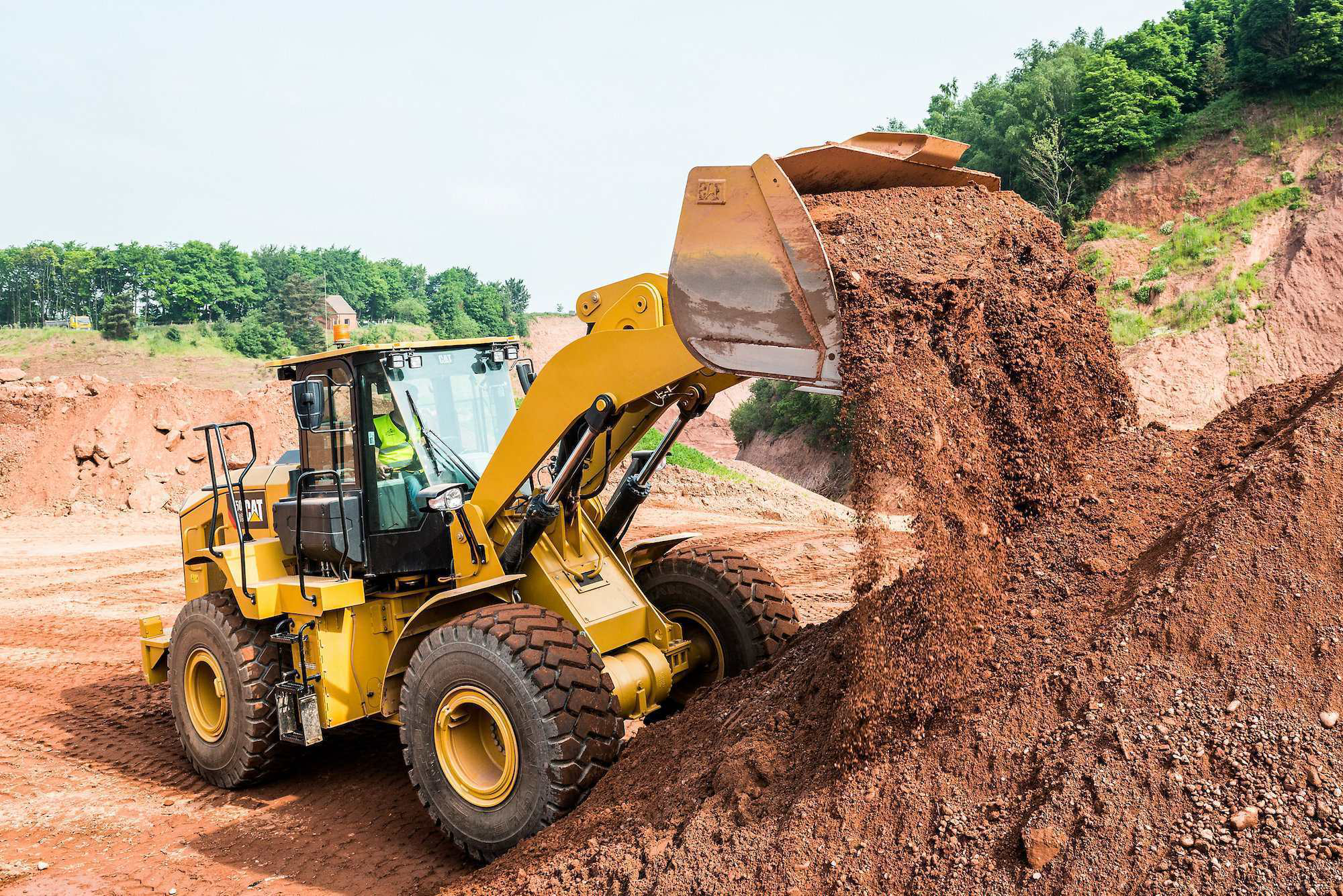 Cat intros 950 GC, a lower-spec loader developed using