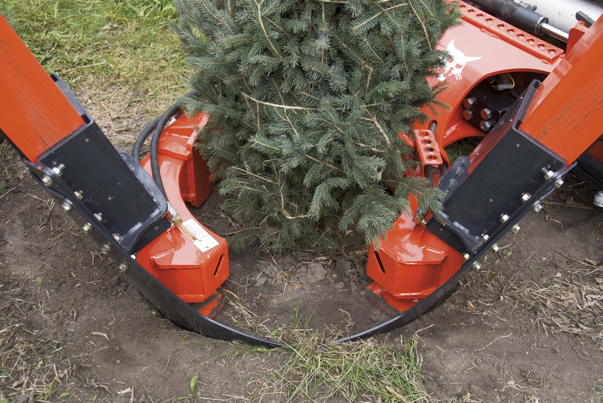 Landscaping Roundup: 18 attachments for raking, leveling, mowing