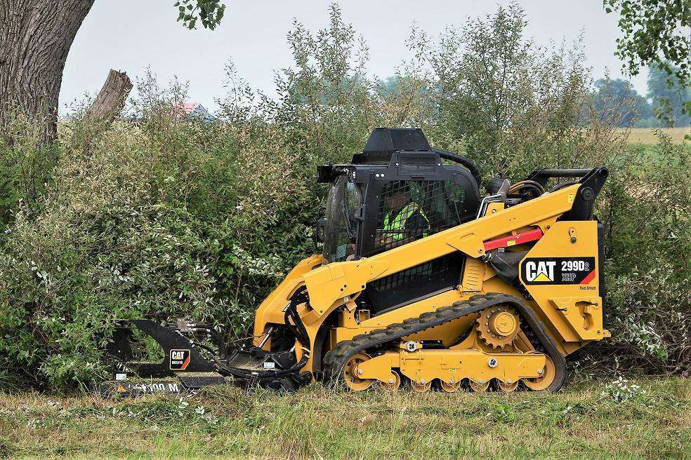 Caterpillar Skid Steer >> Cat Intros 72 In Brushcutter Attachment For Skid Steers And Ctls