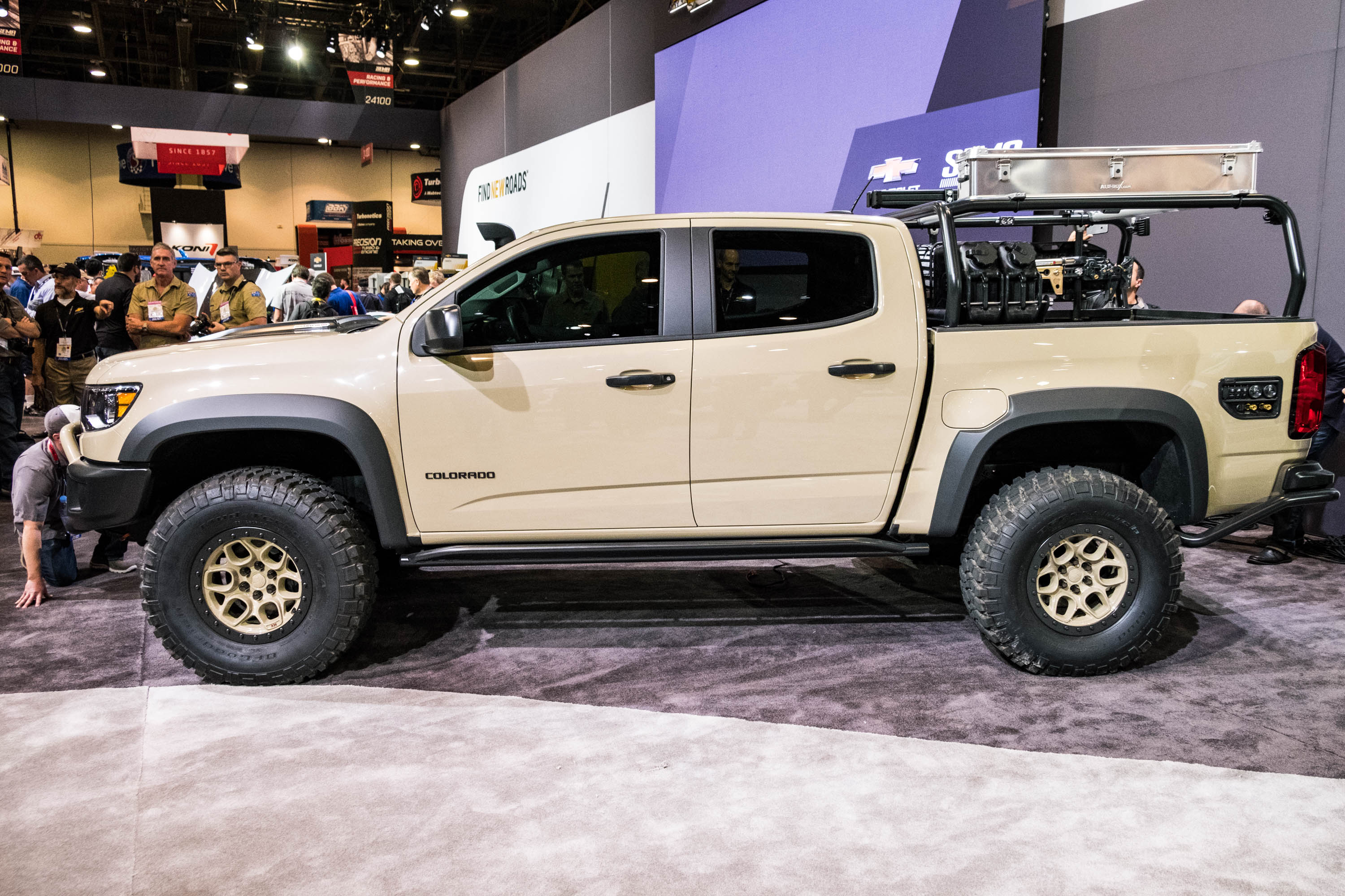 Diesel Trucks For Sale In Colorado >> Chevy unveils Colorado ZR2 AEV, a Duramax-powered rock crawler