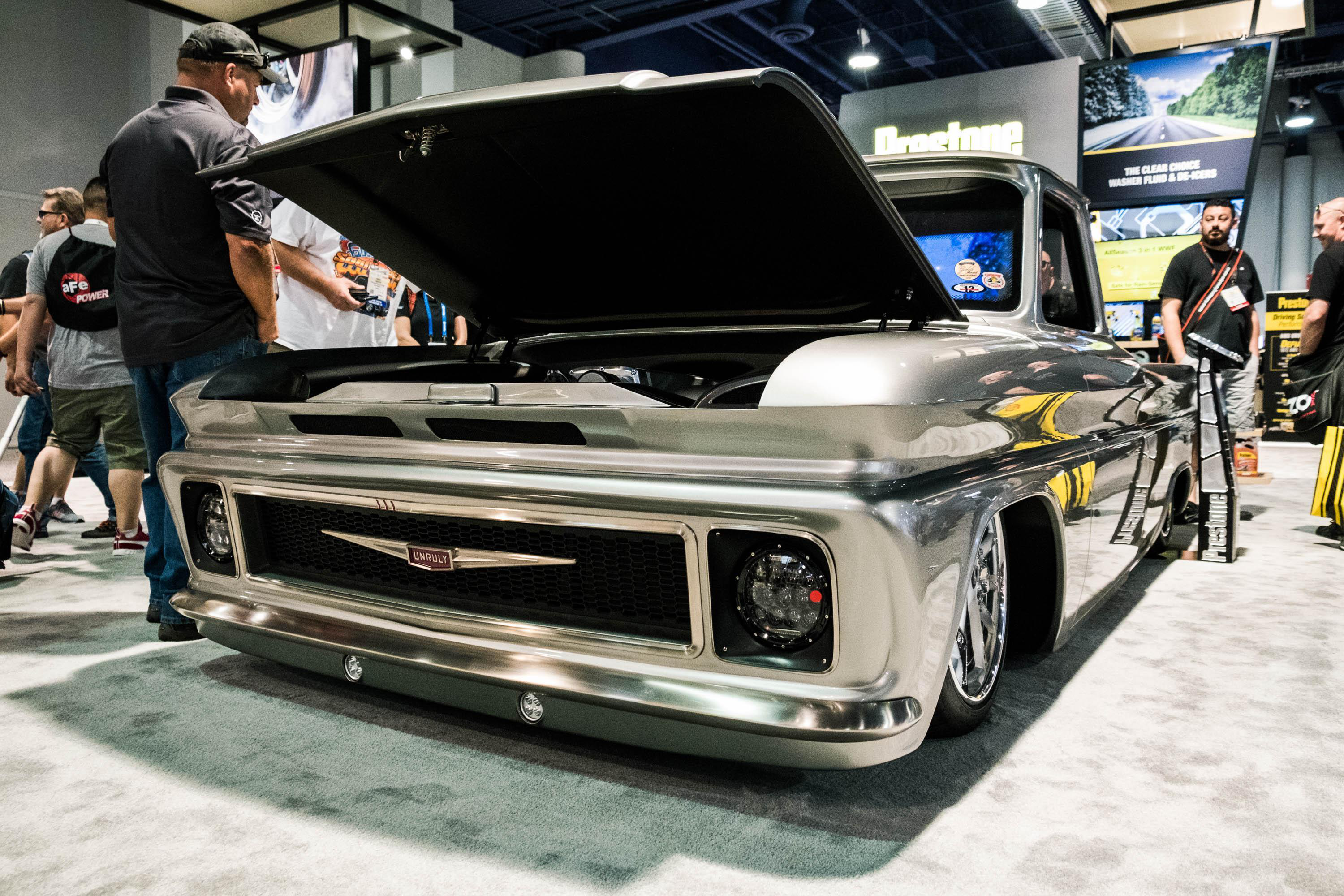 video sema 2017 brings out the best tricked out trucks automotive artistry. Black Bedroom Furniture Sets. Home Design Ideas