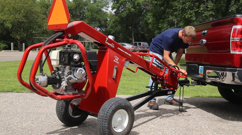 Little Beaver intros towable hydraulic earth drill
