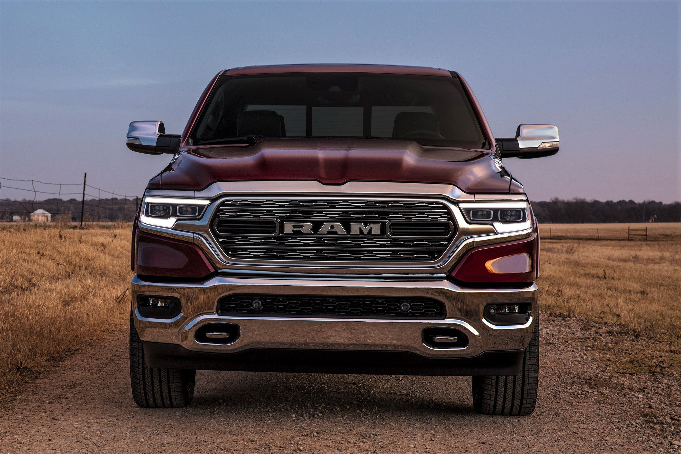 ram unveils redesigned 2019 1500 trucks with new look less weight more tech. Black Bedroom Furniture Sets. Home Design Ideas