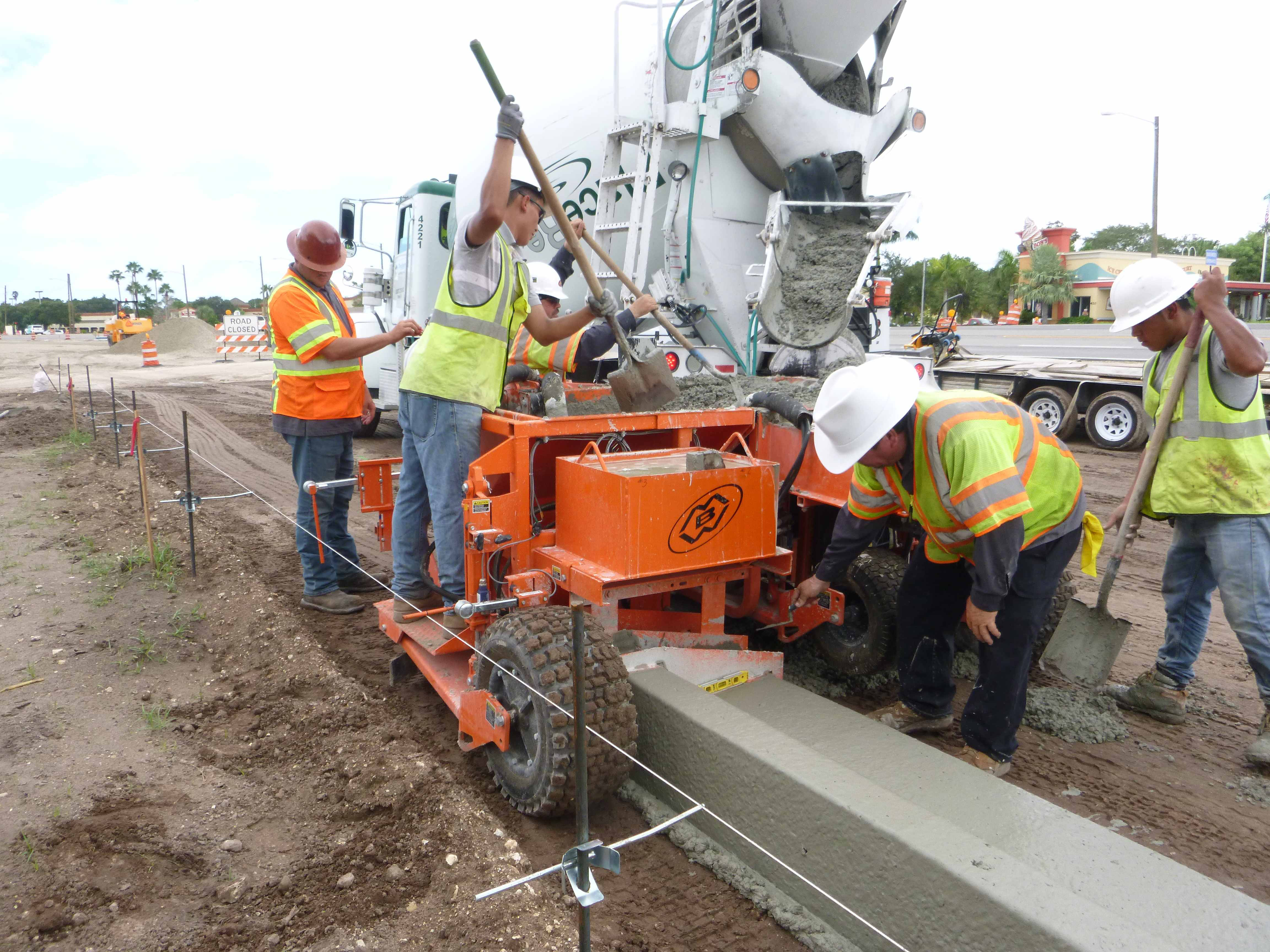 Curb And Gutter Machine Manufacturers Focus On Keeping It