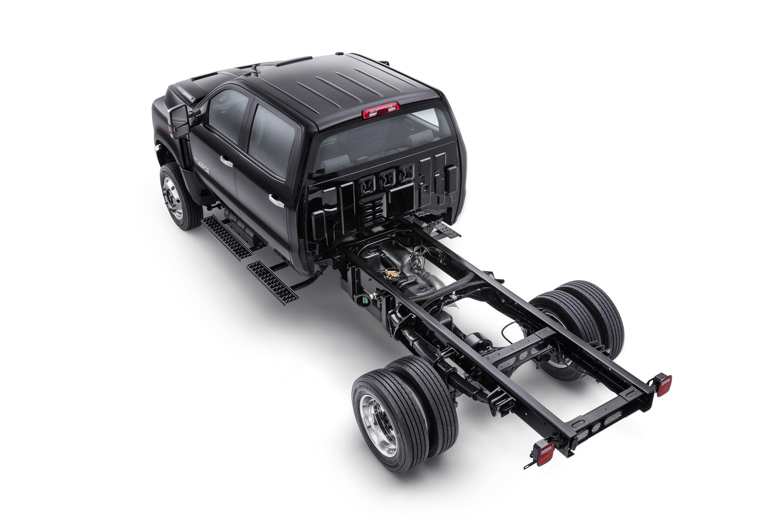 Chevy unveils Silverado 4500HD, 5500HD, surprise 6500HD in return to ...
