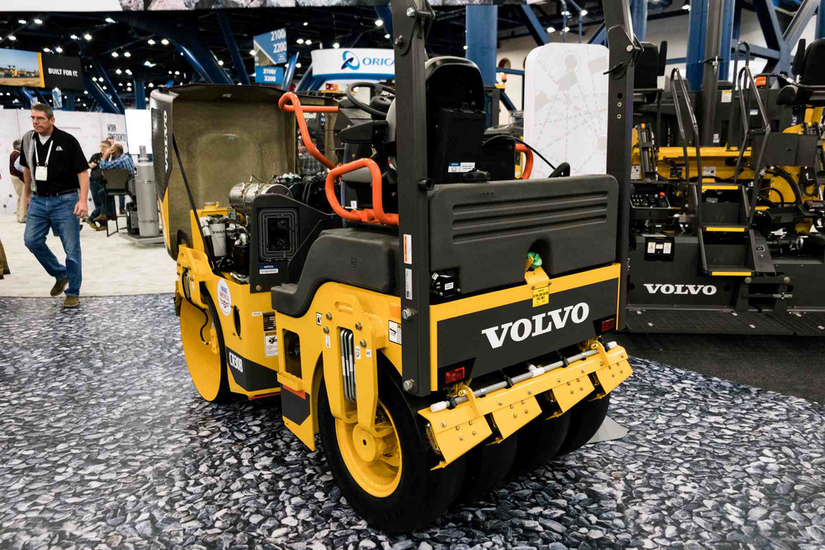 Volvo CR30B roller