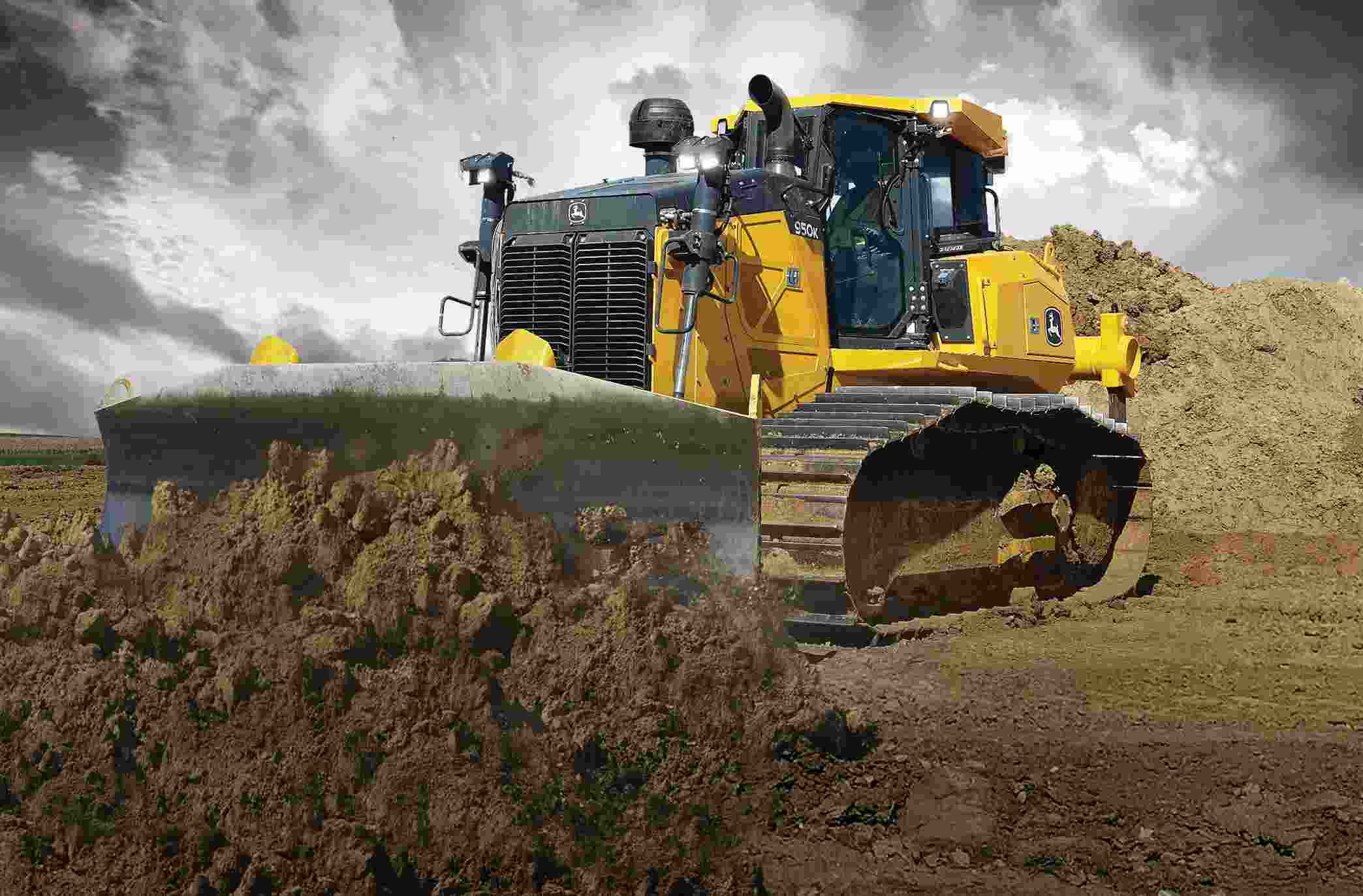 John Deere 950K Dozer pushing dirt