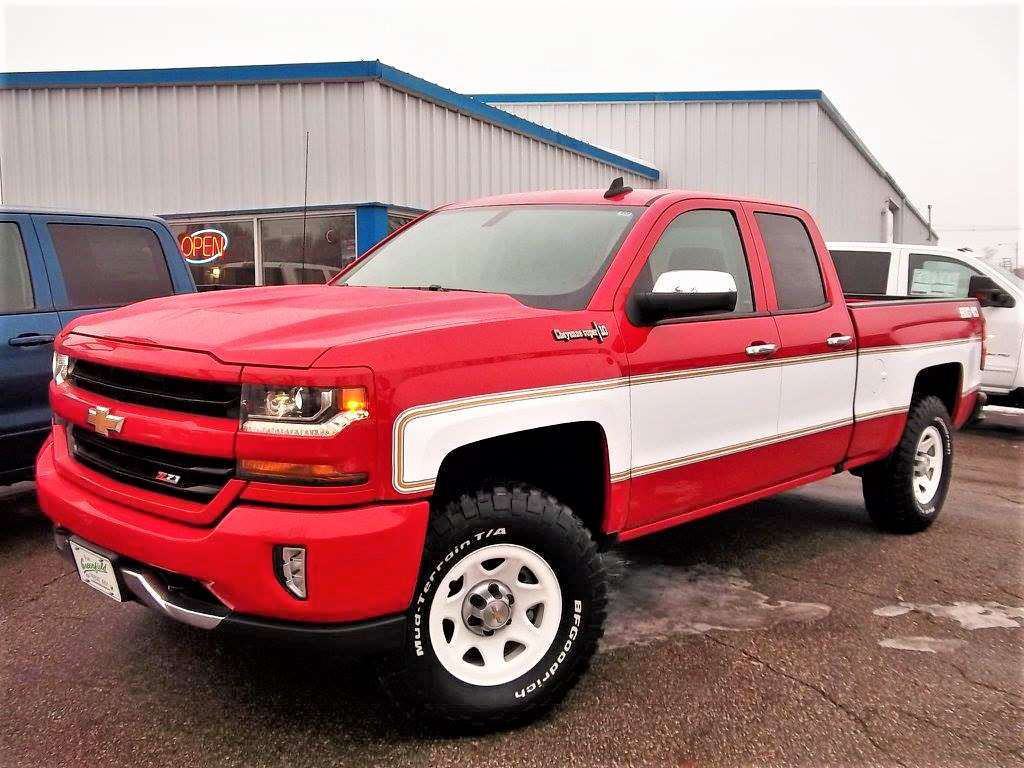 At Least Two Chevy Dealerships In The U S And Canada Are Offering A Retro 10 Conversion On 2018 Silverado Which Is Quickly Gaining Traction