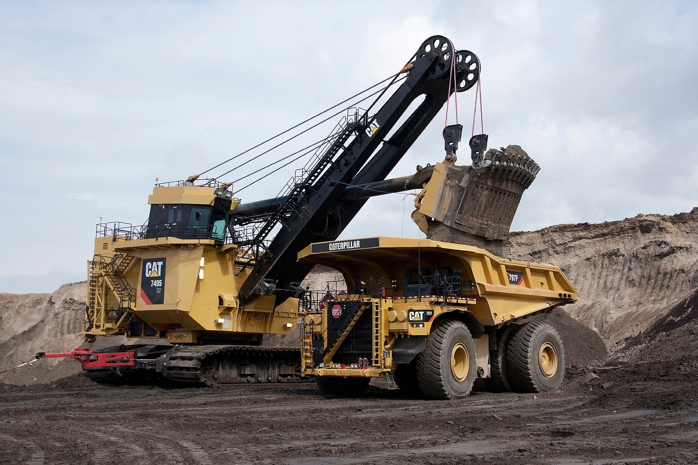 Caterpillar rolls out 1000th 797B mining truck