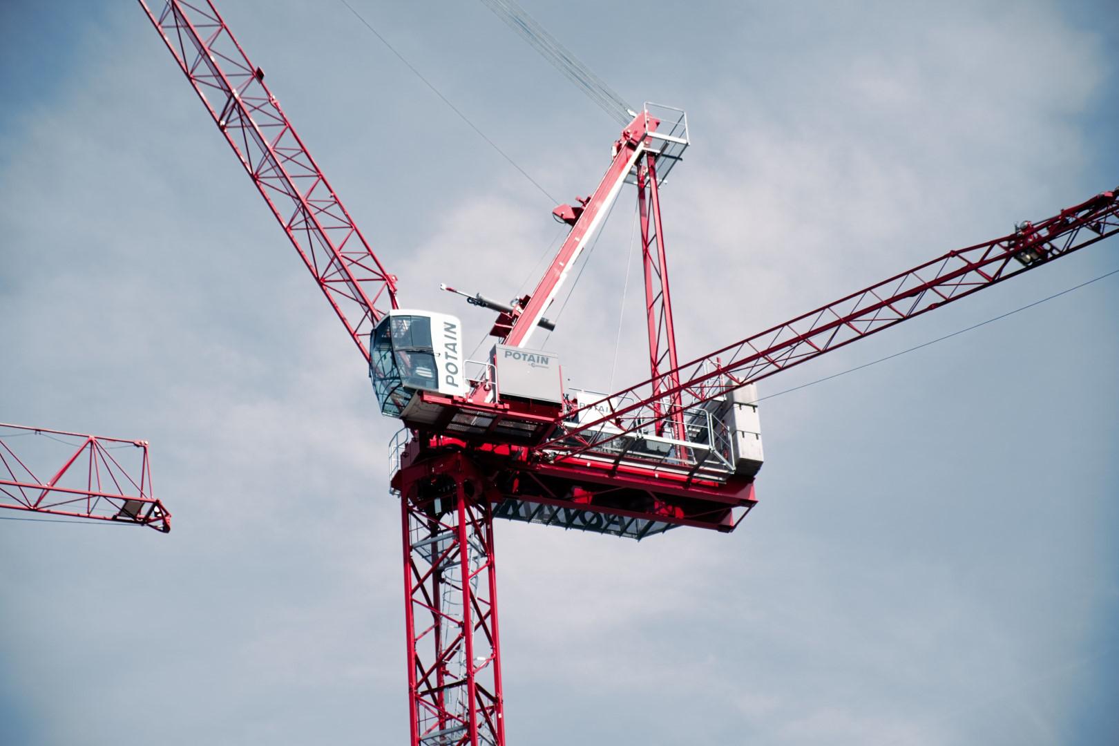 Manitowoc debuts Potain MR 160 C luffing jib tower crane