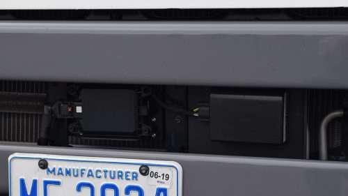 Volvo Trucks showcases three-truck platoon on highway