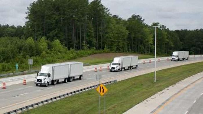 Volvo_Trucks_and_FedEx_Platooning_Trucks_20180627_photo_by_Justin_Kase_Conder_0304-2018-06-27-13-49-500×281