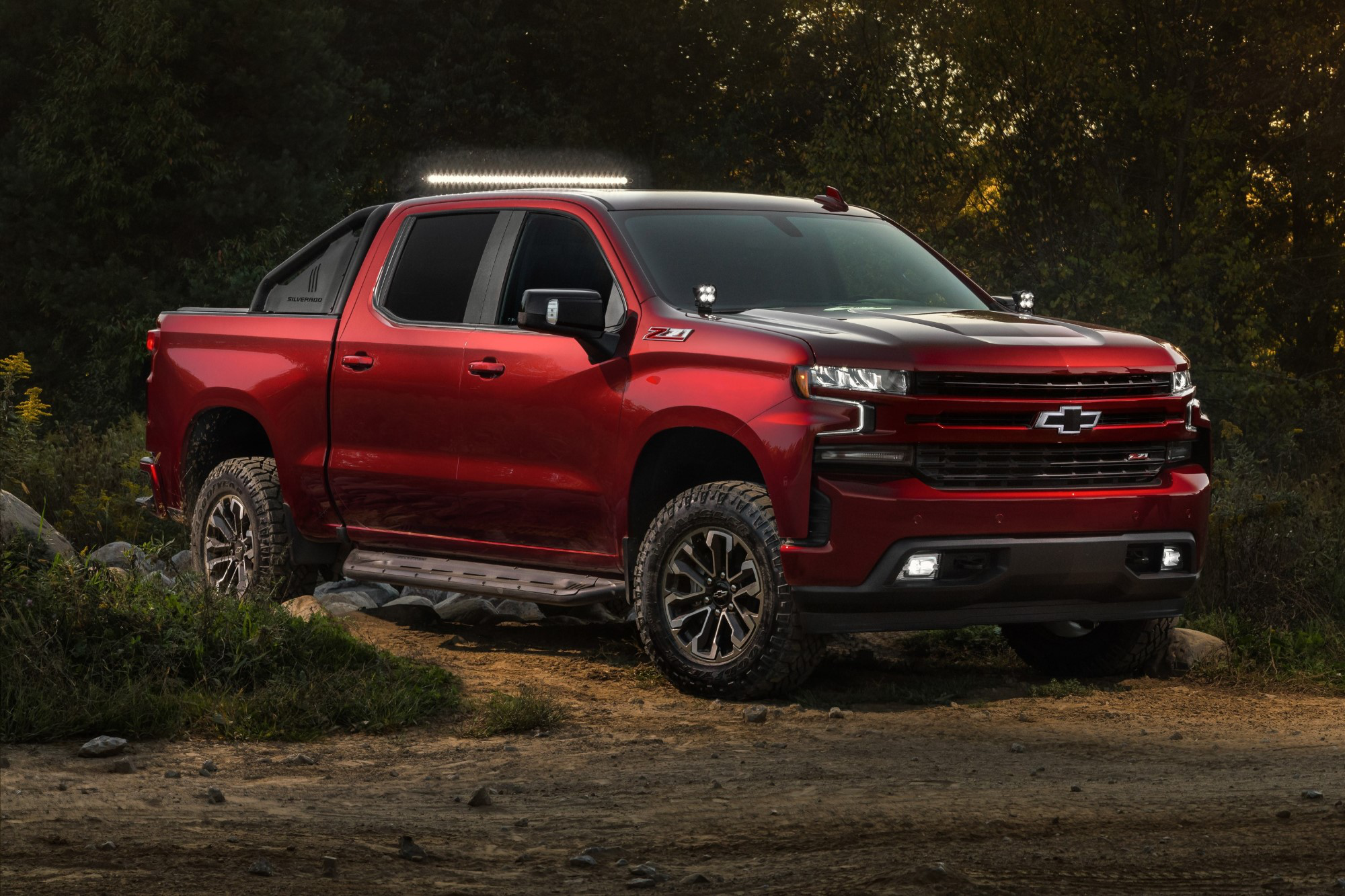 Chevrolet Debuts New Silverado Rst Off Road And Accessories
