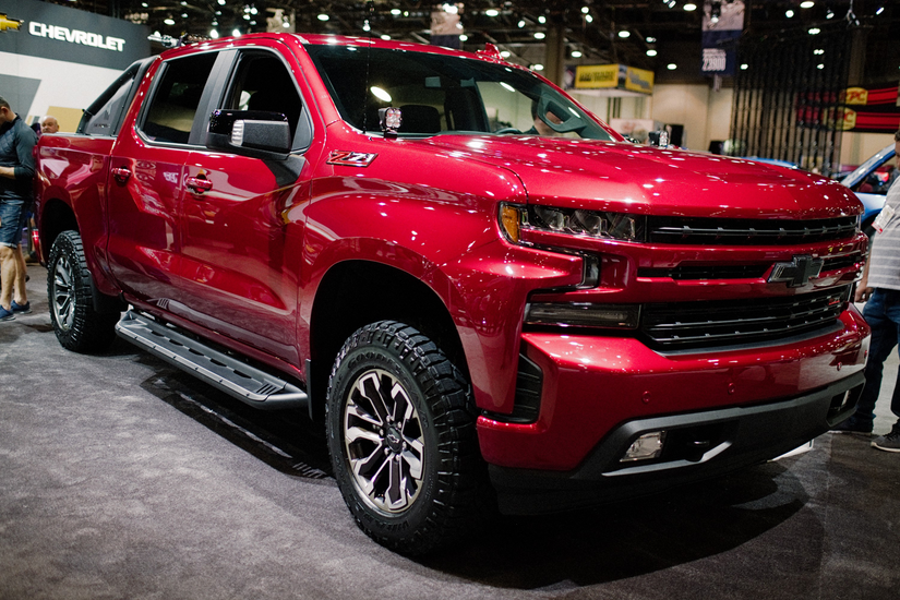 Chevrolet debuts new Silverado RST Off-Road and accessories
