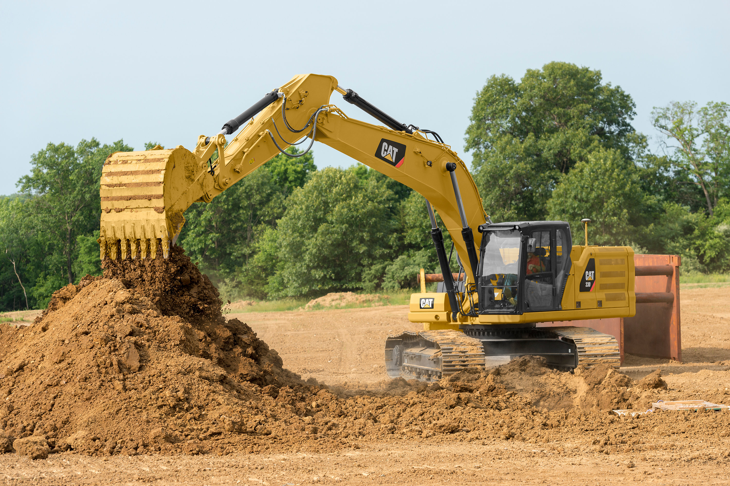 Cat's improved 30-ton excavators lower operating costs