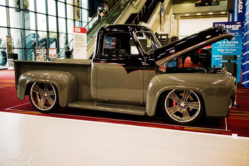 vintage trucks   sema  show