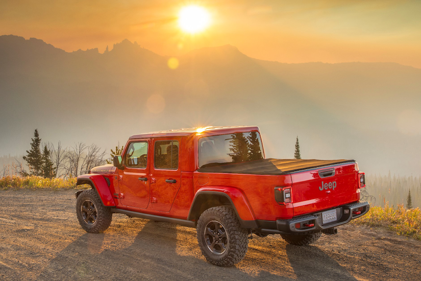 Sideview of the 2020 Jeep Gladiator Rubicon