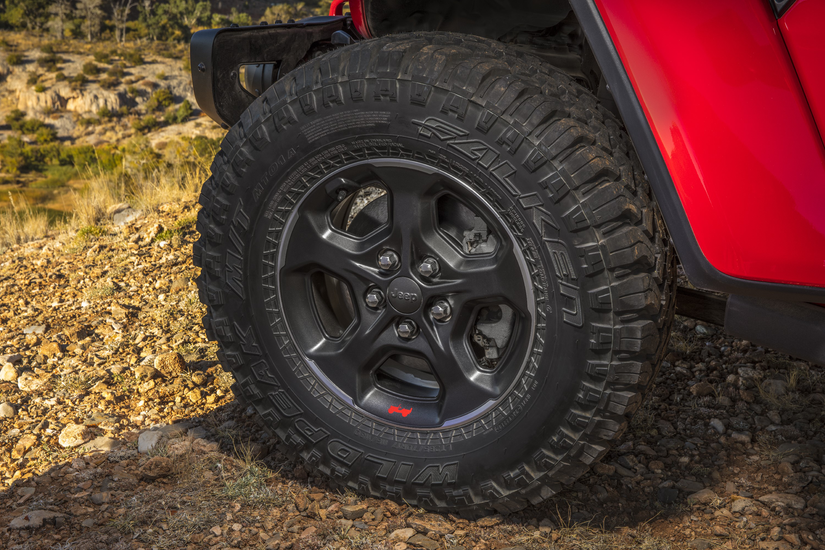 2020 Jeep Gladiator Rubicon's tires
