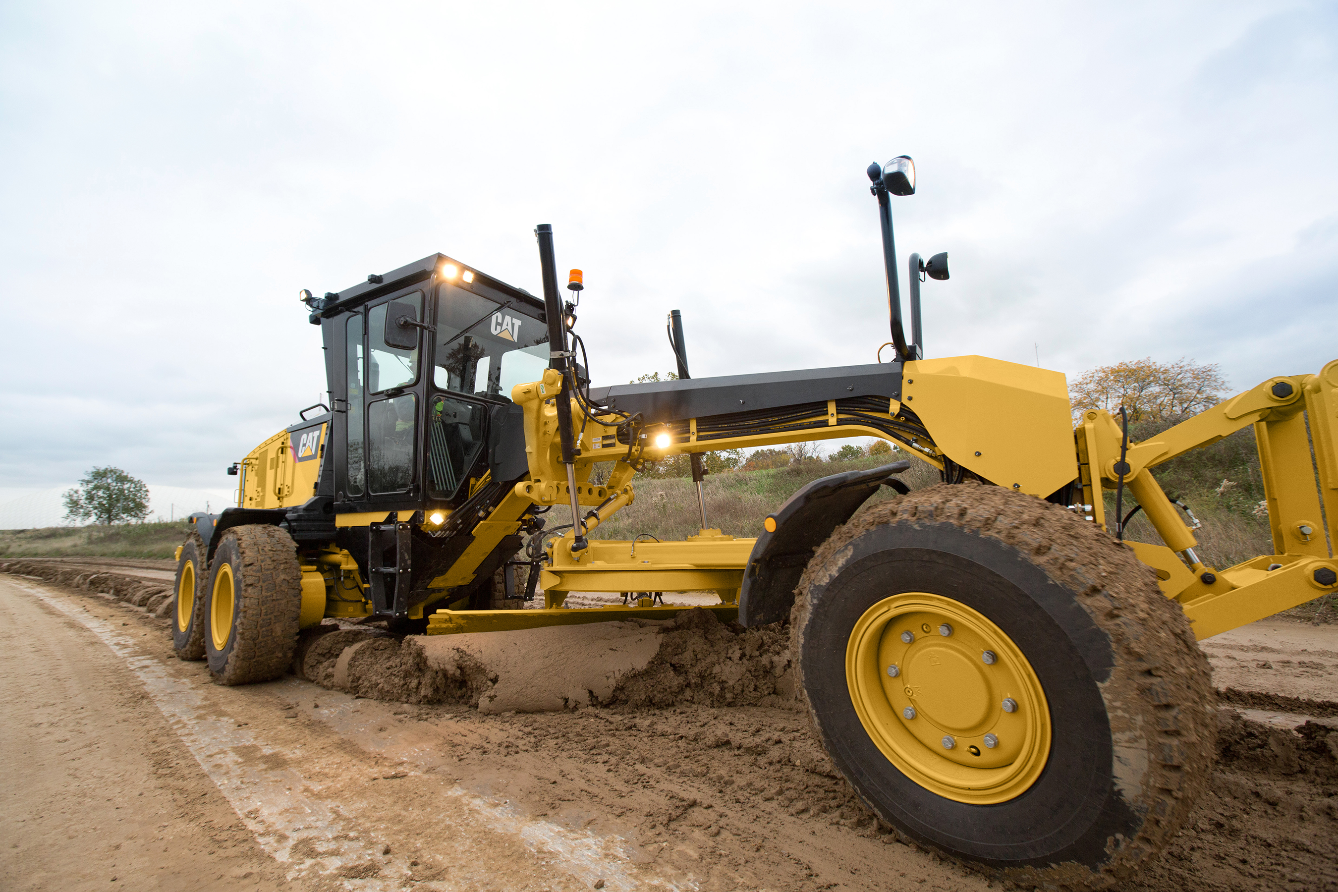 """Cat's Next Gen 120, 140 graders are highly customizable for """"truly new"""" operator experience"""