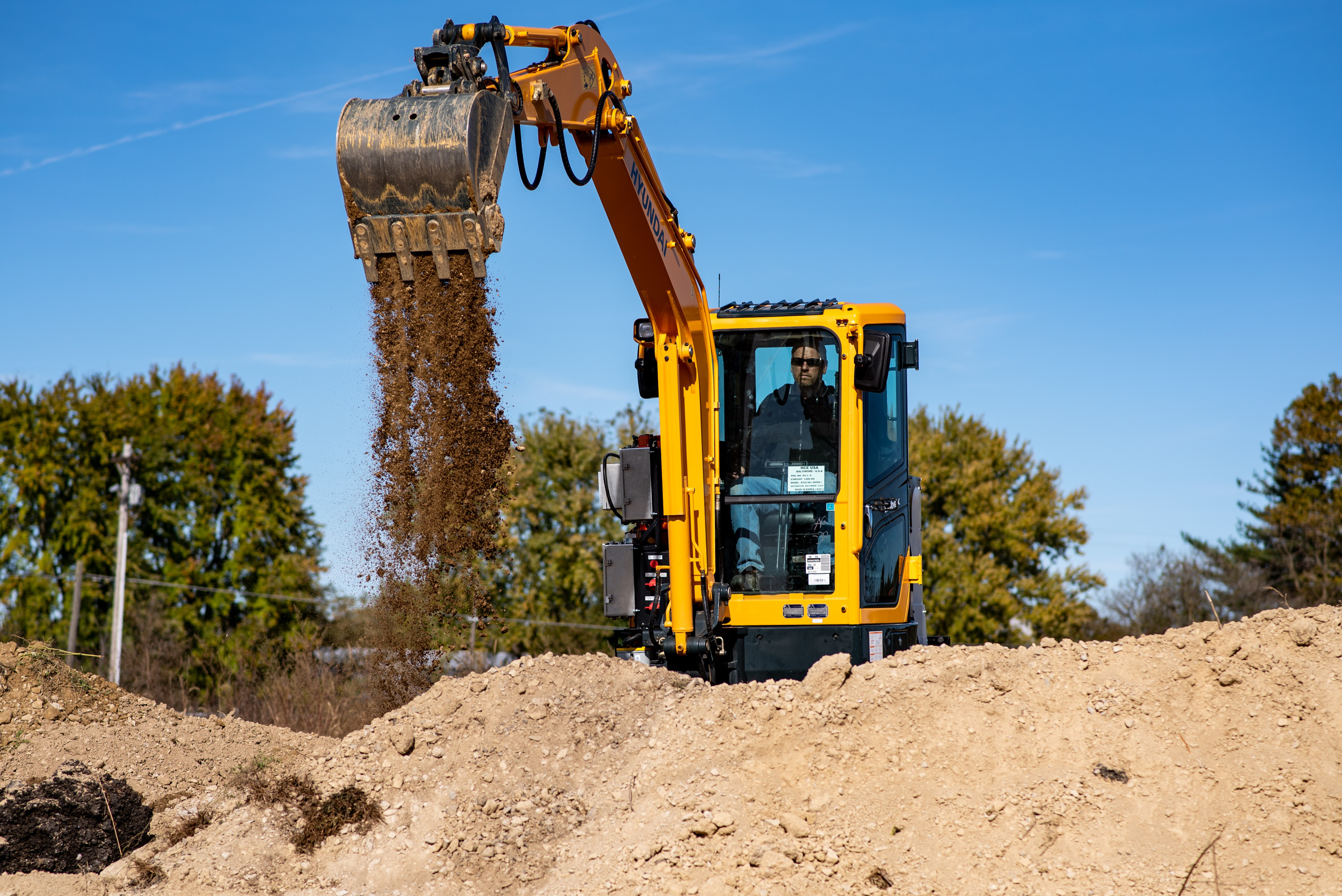 Cummins & Hyundai co-develop electric mini excavator