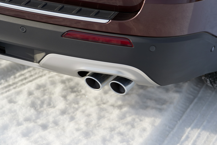 Close up of rear bumper and exhaust pipes of the Ford Explorer Platinum edition