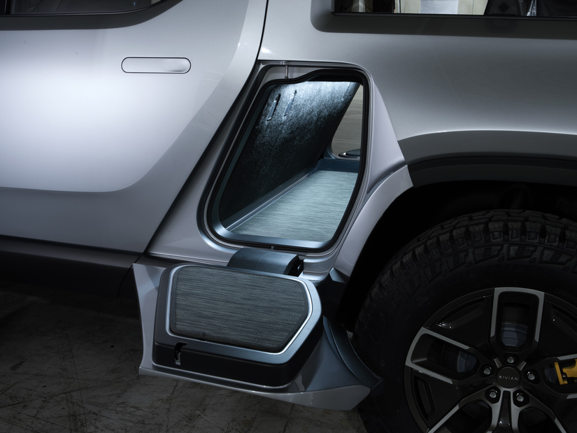 Rivian R1T™ All-Electric Truck middle storage