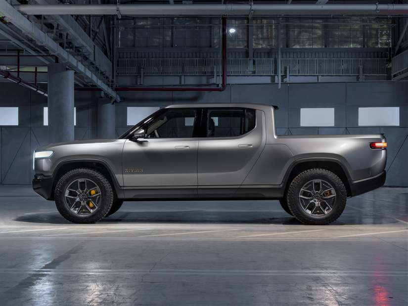 Rivian R1T™ All-Electric Truck full side view