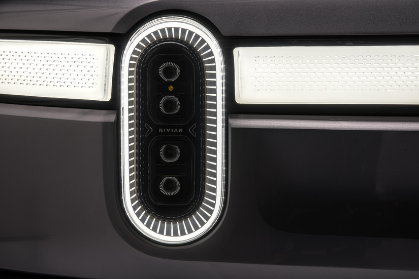 Rivian R1T™ All-Electric Truck headlamp design