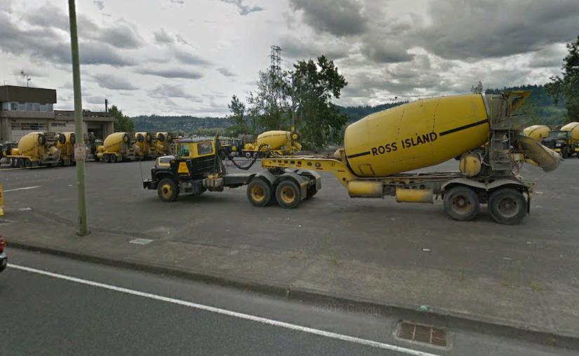 Concrete Pouring Truck