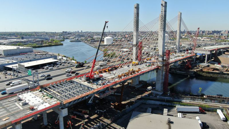 Aerial view of construction on the new Kosciuszko Bridge in new york city