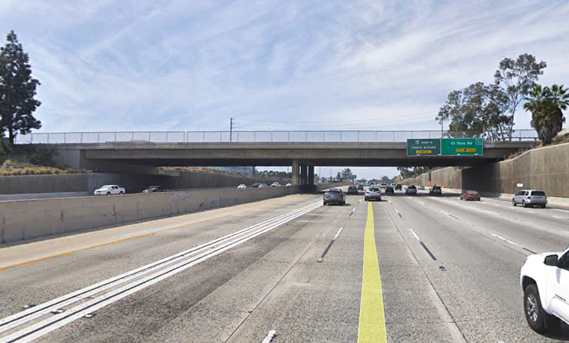 Los Aliso Boulevard overpass over San Diego Freeway