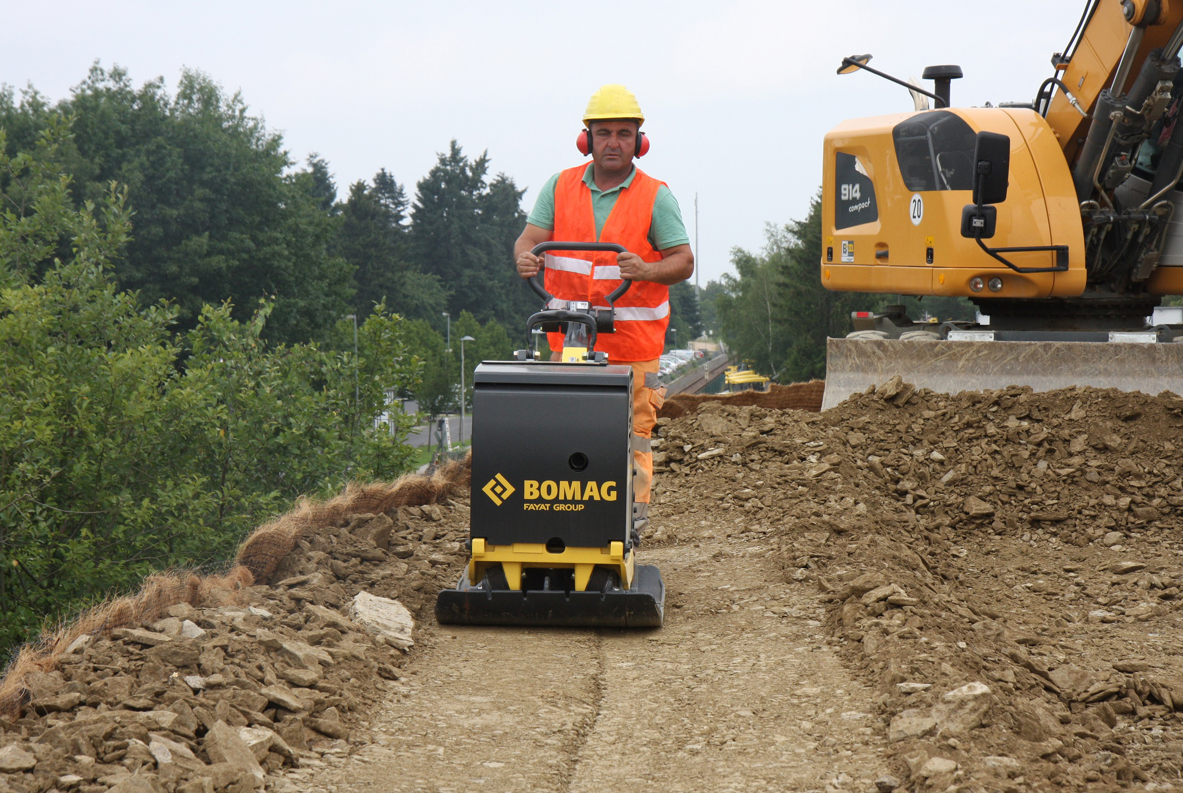 BOMAG intros gas-powered BPR 60/65 reversible plate compactor