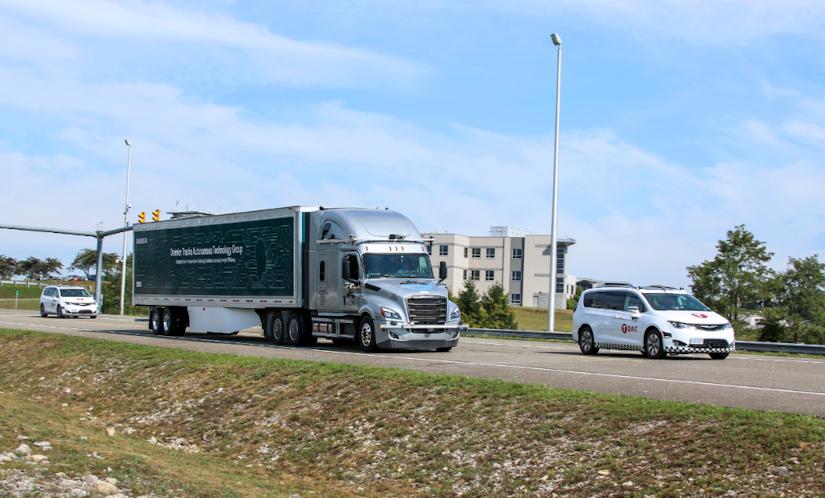 Damiler Torc Robotics to begin testing autonomous Class 8 trucks on public