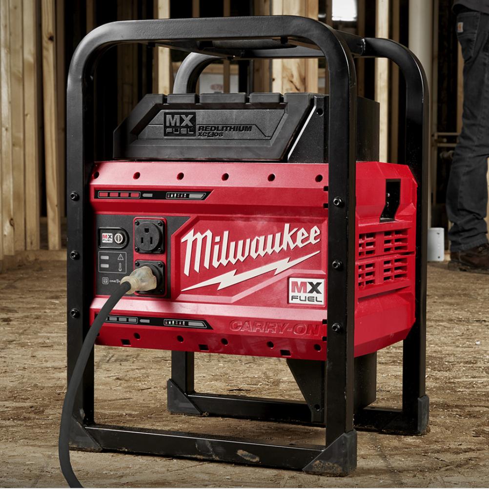 Milwaukee MX Fuel Carry-On 3600W/1800W Power Supply